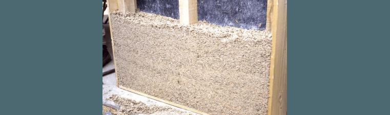 Maçonner des briques de chanvre